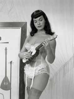 Ukulele Bettie Page