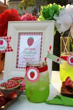 MY FUTURE DAUGHTER WILL HAVE A STRAWBERRY BDAY PARTY UNTIL SHE CAN TALK! Strawberry Party :: decor, printables