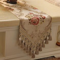 European Luxury Fashion Classic Table Table Flag Flag Flag Flag Flag Bed Table Cabinet A Variety Of Optional A Crochet Table Runner Pattern, Table Flag, Table Setting Inspiration, Cushion Cover Designs, Burlap Table Runners, Bed Runner, Embroidery Techniques, Amazon, Kitchen