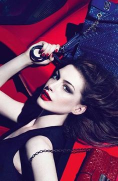 Anne Hathaway ♥ Tods