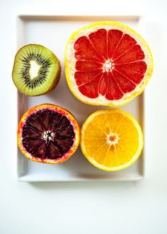 Winter Citrus Green Smoothie - Keepin It Kind Keepin It Kind Fruit And Veg, Fruits And Veggies, Fresh Fruit, Citrus Fruits, Colorful Fruit, Vegetables, Smoothie Recipes, Smoothies, Smoothie Ingredients