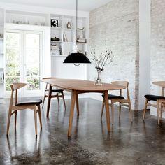 Dining table by Hans J Wegner - CH006 - Carl Hansen & Søn
