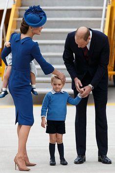 皇室一家抵達加拿大,夏洛特小公主可愛表情搶鏡!