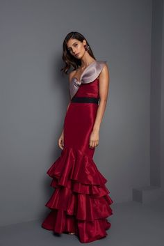 3253e43c79f5 Johanna Ortiz Fall 2017 Ready-to-Wear Fashion Show Collection: See the  complete Johanna Ortiz Fall 2017 Ready-to-Wear collection. Look 19