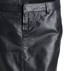 Minirock aus Leder.