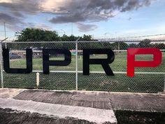 Ahora: en los portones de la UPR en Ponce apoyando nuestros estudiantes discutiendo la ley PROMESA.