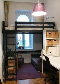 Ikea hack hochbett  sisal teppich schlafzimmer hochbett offenes regal gardinen ...