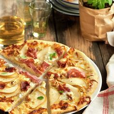 Pizza gorgonzola con jamón, pera y nueces: paso a paso Pizza Rica, Calzone, Empanadas, Hawaiian Pizza, Burritos, Enchiladas, Italian Recipes, Quiche, Quesadillas