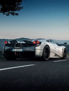 Pagani Huayra my sort of car if I'm honest. Why are the rear ends always the best? ;; I love the active aero