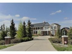 $2,250,000 MLS#1099678 in Parker. This beautiful home sits on 10 acres of gorgeous land with stunning views. Click here to explore this home or repin to view later! #DenverRealEstate