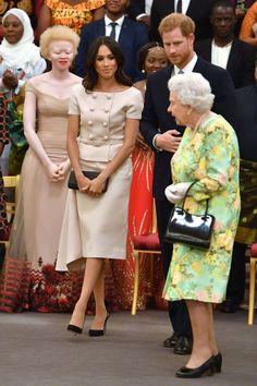 Meghan wéér met de queen op stap | Nouveau