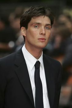Cillian Murphy - 2005 06 12 - Batman Begins European Premiere Peaky Blinders Tommy Shelby, Peaky Blinders Thomas, Cillian Murphy Peaky Blinders, Beautiful Boys, Gorgeous Men, Pretty Boys, Hot Actors, Actors & Actresses, Cillian Murphy Young