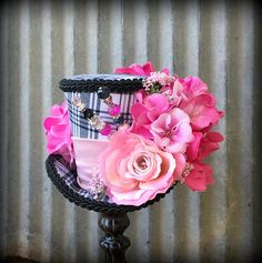 Mini Top Hat Kentucky Derby Hat Black and White and Pink Pink Flower Bouquet, Pink Flowers, Black Top Hat, Tea Party Hats, Fancy Hats, Flower Hats, Plaid Fabric, Derby Hats, Alice In Wonderland