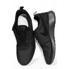 Black Nikes | Minimal + Chic | @CO DE + / F_ORM