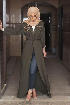 Modest Fashion Hijab, Street Hijab Fashion, Arab Fashion, Islamic Fashion, Hijab Chic, Muslim Fashion, Modern Hijab Fashion, Hijab Casual, Estilo Abaya