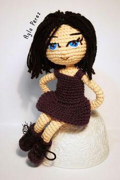 Hoy quería compartir con vosotras el patrón de esta muñeca amigurumi! Creo que me ha quedado muy bajita, un poco desproporcionada... la próx...