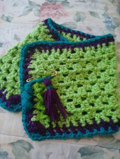 Cuello crochet, verde manzana, turquesa y morado. Gancho pom pom.