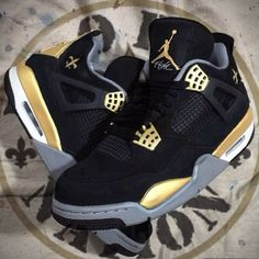 "The #neworleans #saints got a first round win against a tough #Eagles offense. These Air Jordan 4 ""Saints/Nolia Clap"" by @mache275 pays resp..."