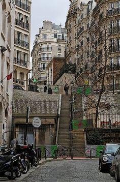 Architecture Parisienne, Paris Architecture, Montmartre Paris, Hidden Places, Places To See, Paris Travel, France Travel, Paris France, Ville France
