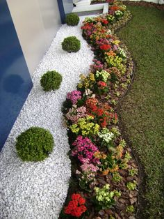 Front Yard Garden Design 70 Magical Side Yard And Backyard Gravel Garden Design Ideas - 70 Magical Side Yard And Backyard Gravel Garden Design Ideas Gravel Garden, Garden Shrubs, Diy Garden, Garden Edging, Garden Line, Rocks Garden, Garden Oasis, Mosaic Garden, Rooftop Garden