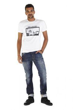 """DOLCE & GABBANA - www.assuntasimeone.com  T-SHIRT IN COTONE STAMPA """"CARTOLINA"""" DOLCE & GABBANA  100% Cotone Made in italy  spedizione gratuita assicurazione gratuita reso gratuito  CLICCA SUL LINK PER ACQUISTARE IL PRODOTTO: http://www.assuntasimeone.com/it/shop/nuove-collezioni-inverno-t-shirt/2803/t-shirt-in-cotone-stampa-cartolina-dolce-&-gabbana.html"""