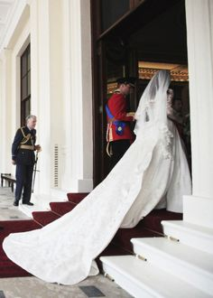 Kate's Wedding Gown April 29, 2011 William and Kate's Wedding ♕ Her Royal Highness