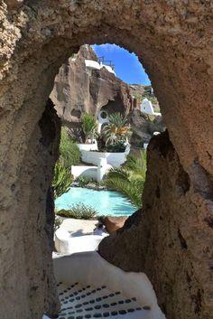 La Cueva de LagOmar, Lanzarote / Spain