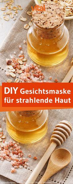 Gesichtsmaske gegen müde Haut selber machen: Eure Haut ist müde und fahl? Dann probiert unsere Maske mit Haferflocken und Honig und im Nu strahlt eure Haut wieder und ist prall und mit Feuchtigkeit versorgt!