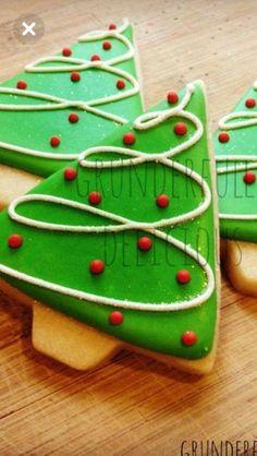 little christmas tree ideas 30 Ideas Cookies Decorated Christmas Tree Christmas Tree Cookies, Christmas Tree Design, Iced Cookies, Noel Christmas, Holiday Cookies, Christmas Desserts, Cupcake Cookies, Christmas Treats, Christmas Games