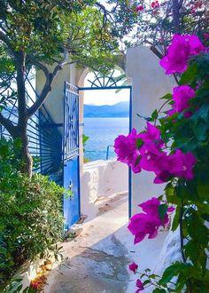 Wonderful Places, Beautiful Places, Beautiful Pictures, Places Around The World, Around The Worlds, Travel Aesthetic, Greek Islands, Greece Travel, Beautiful World