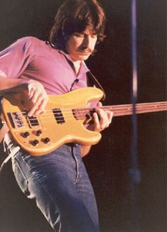 Jeff Berlin—bass. Rehearsed with the band at the start of 1981 but the group was disbanded.