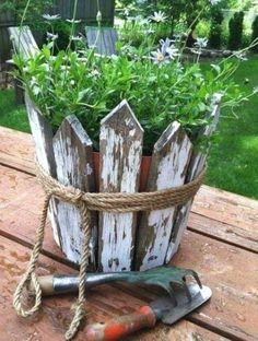Garden Yard Ideas, Garden Crafts, Diy Garden Decor, Garden Projects, Garden Art, Garden Decorations, Patio Ideas, Garden Beds, Diy Projects