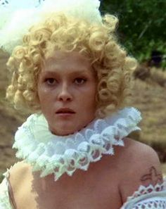 Featuring Faye Dunaway in seventeenth-century period makeup portraying lady de Winter yje femme fatale from 'The Three Musketeers'. Milady De Winter, Faye Dunaway, The Three Musketeers, Movie Costumes, I Fall In Love, Headdress, Actresses, Bella, Cinema