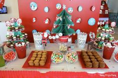 Sweet table Merry Christmas - Arbre de noël Toyota - www.babypopsparty.com/en-image Decoration, Gingerbread, Baby Shower, Sweet, Party, Desserts, Toyota, Images, Food