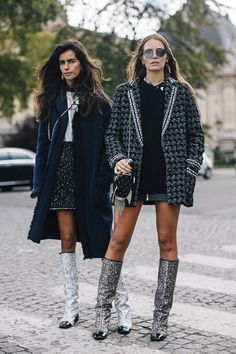 - Chanel Paris - Ideas of Chanel Paris - Paris Fashion Week Street Style Spring 2018 Day 8 Cont. Chanel Street Style, Best Street Style, Street Style Trends, Spring Street Style, Cool Street Fashion, Street Chic, Paris Fashion Week 2018 Street Style, Paris Fashion Weeks, Chanel Style