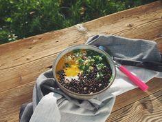 Zupa krem z batatów z czarną soczewicą na mleku kokosowym