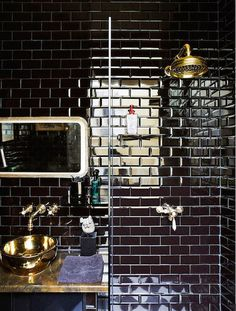 31 shiny black bathroom tiles ideas and picturesis free HD Wallpaper. Thanks for you visiting 31 shiny black bathroom tiles ideas and pictur. Black Subway Tiles, Ceramic Subway Tile, Black Tiles, Home Design Decor, Bathroom Interior Design, House Design, Design Ideas, Bathroom Designs, Bathroom Ideas