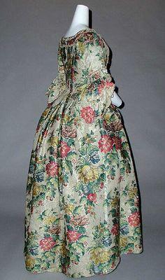 Dress (image 2) | British | 1750-1775 | silk | Metropolitan Museum of Art | Accession #: 34.108