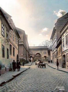 Imagini alb-negru din Brașovul secolului XIX au fost readuse la viață prin colorizare digitală de către Jecinci în colaborare cu IRCCU – Brasov.net Brasov Romania, Louvre, Old Things, Street View, Instagram, Building, Travel, Fotografia, Viajes