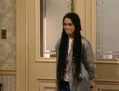 Denise Huxtable (Lisa Bonet) - with dreads Lisa Bonet Cosby Show, Lisa Bonet Young, Dreads, Costumes For Black Women, The Cosby Show, Zoe Kravitz, Musa, 90s Fashion, High Fashion