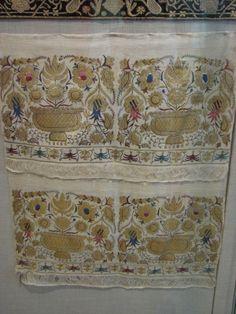 Ottoman Turkish Embroidered Towel Floral Embroidery, Embroidery Patterns, Hand Embroidery, Turkish Style, Turkish Fashion, Embroidered Towels, Ua, Oriental, Ottoman