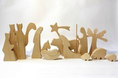 Modern Wood Nativity OILED Wooden nativity por LovingWoodCom