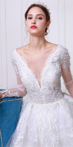 Vivienne Atelier #Bridaldress Style Shoot 2019 #weddingdress Weeding Makeup, Vivienne, Bridal Dresses, Lace Wedding, Magazine, Eat, Shop, Style, Fashion