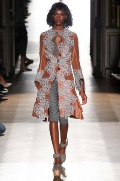 Vivienne Westwood: Paris Ready-to-Wear Spring/Summer 2015 - I LOVE this coat!!