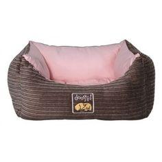 Cosida a mano, cama para perro de excelente calidad de sus materiales y terminados, comodísima y extramullida.