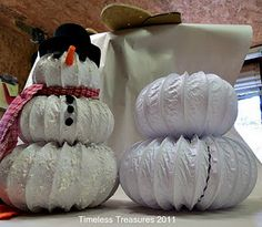 This little guy came real early and showed up in my Fall mantel decoration. I guess he wanted to hurry Christmas. He didn& stay there lon. Snowman Crafts, Christmas Projects, Holiday Crafts, Christmas Ideas, Holiday Ideas, Holiday Decor, Christmas In July, Christmas Goodies, Christmas Crafts