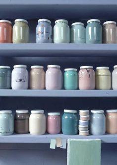 Geen frutsels en fratsen, maar grote vlakken en een tikje artistiek: pastels geven power aan je huis!
