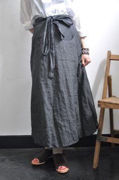 【楽天市場】Bergfabel(ベルグファベル)/apron skirt リネンエプロンスカート:acoustics (アコースティックス) Diy Fashion, Fashion Outfits, Fashion Design, Apron Designs, Linen Dresses, Sewing Clothes, Minimalist Fashion, Dress Patterns, Casual Looks