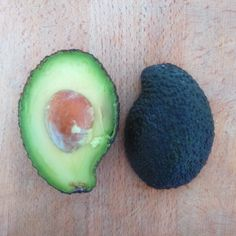 "23 Synes godt om, 1 kommentarer – Christine (@christineboegh) på Instagram: ""Yin Yang Avocado 🙏💜 . . #balance #yinyang #harmony #interdependent #complementary #forces #opposite…"""