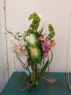 Tropical flower arrangement for wedding and event